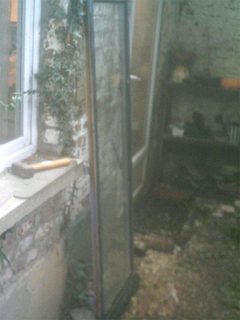 Verre de fenêtre récupérée pour faire l'aquarium