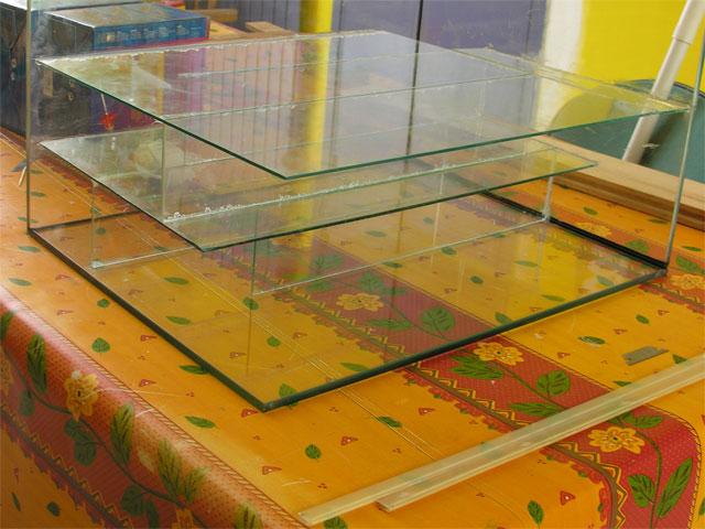 Plaques de verre fixées